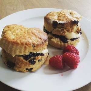 Afternoon tea sorted. Gluten free scones from the farmer's market with raw unpasteurised cream and organic raspberries. If you are going to have dairy - raw is the only way to go. Rich in fat-soluble vitamins and minerals - otherwise destroyed by heat/pasteurisation.  #raw #rawdairy #wisetraditions #nourishingtraditions #raspberry #organic #farmersmarket #unpasteurized #glutenfree #humpday